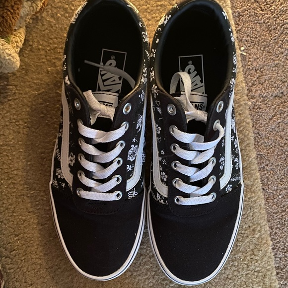 vans shoes size 9